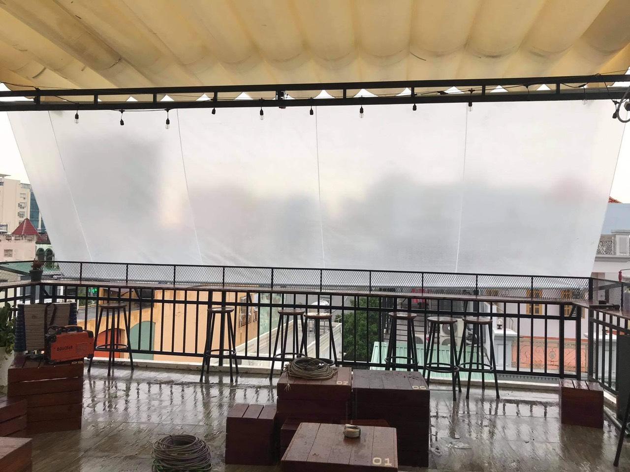 Bạt che nắng mưa